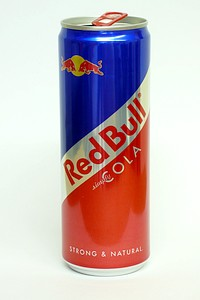 Red Bull Cola 330ml - by www.deepsonic.ch, July 2008