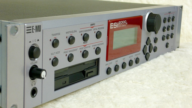 E-mu Esi-2000 Turbo by deep!sonic 26.10.2009