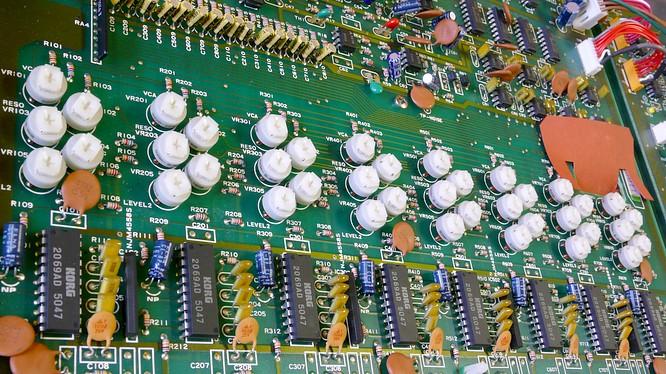 Korg DW-8000 by www.deepsonic.ch 13.12.2008