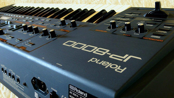 Roland JP-8000 by deep!sonic 07.07.2010, thanx to Thomas Weyermann