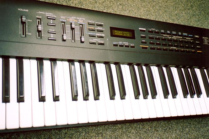Roland JV-35 by deep!sonic 12.2003, thanx to www.djroemer.ch