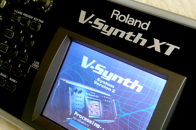 Roland V-Synth XT V2 by deep!sonic 02.08.2010, thanx to Thomas Weyermann