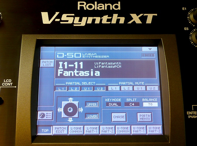 Roland D-50 inside Roland V-Synth XT V2 by deep!sonic 03.08.2010, thanx to Thomas Weyermann