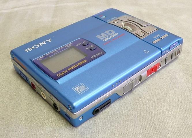 Sony MZ-R50 blue by www.deepsonic.ch August 2007