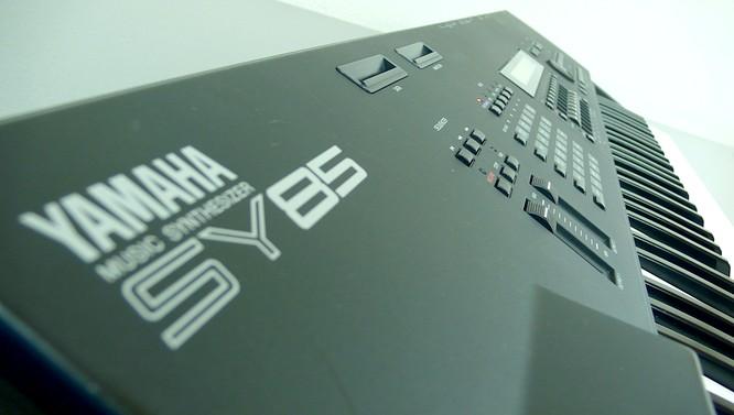 Yamaha SY85 by www.deepsonic.ch February 2008