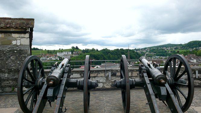 Zwei Kanonen auf dem Turm Munot Schaffhausen