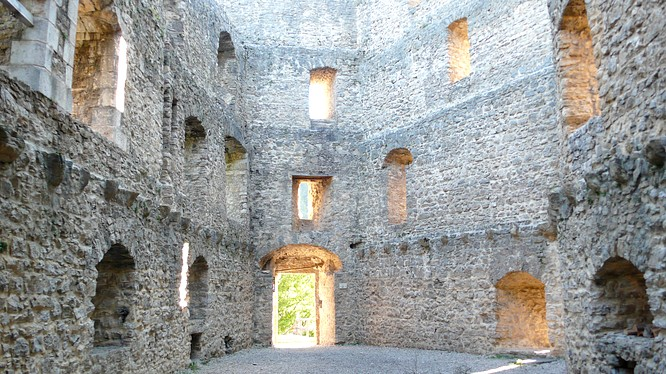 Ruine Gilgenberg in Zullwil
