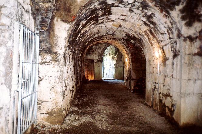 G�nge in der Festung Aarburg
