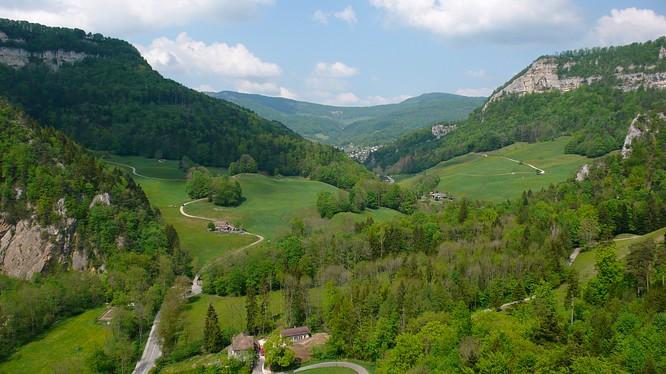 Sicht von Ruine Neu Falkenstein nach N zu M�mliswil