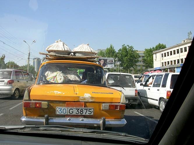 uzbek overloaded Car
