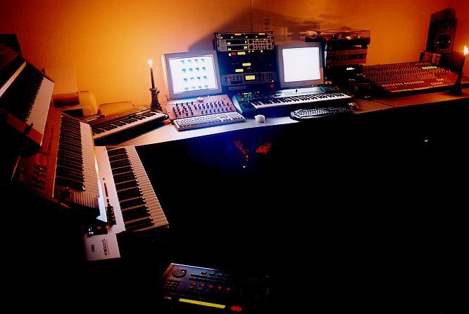 deepsonic Studio III August 2004